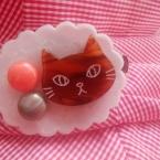 猫の顔 ブローチ    チョコちゃん