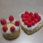 紙粘土で作る旬のイチゴケーキ2種