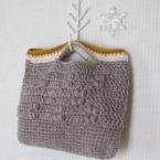 玉編み模様のプチバッグ