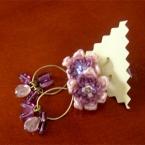 刺繍糸の花のピアス