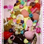 ・ω・山盛りお菓子のスマートフォンケース
