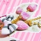 ・ω・苺キャンディーのごろごろストラップ。