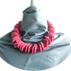 毛糸のネックレス