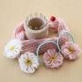リリアンで編むお人形のマフラーとお花モチーフ