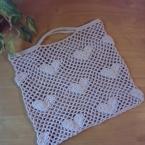 ハート柄のネット編みバッグ
