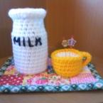 牛乳瓶とホットミルク