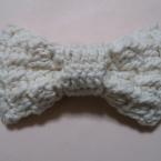 かぎ針編みのふっくらリボン