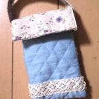手縫いの携帯ケース