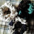 3色の編みシュシュ