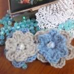 手編みお花のスリーピン