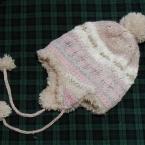 耳あて付き編み込み帽子