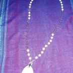 ホワイトオニキスのネックレス