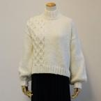ランドスケープで編む 白いセーター