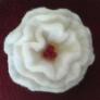 羊毛フェルトのお花コサージュ