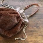 【100均DIY】ファーの巾着バッグの作り方