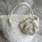 外も内もふわふわ♪冬の小さめバッグ