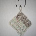 裂き布編みのなべ敷き