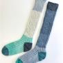 ブロックカラーの手編み靴下