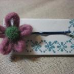 フェルトヤーンのお花のヘアピン