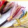 かわいい飾りホウキ簡単レシピ・春色の残り毛糸でね