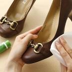 ハンドクリームで靴の汚れ取り