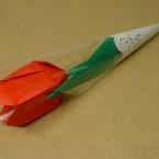 チューリップの花にキャンディを添えて