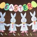 ウサギのガーランド~英字新聞で切り紙~