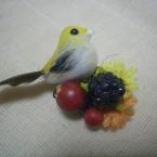 *小さな小鳥のブローチ*