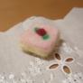 羊毛フェルト 木苺ケーキ