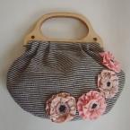 ピンクのお花のウールのバッグ