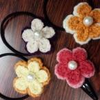 お花モチーフのヘアゴム