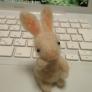フェルト羊毛のミニウサギ