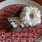 白い花とファーのヘアゴム