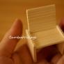 材料ひとつで簡単に作れるミニチュア椅子