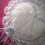 レース糸で編むハートモチーフドイリーのリングピロー