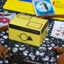 外国の郵便局のダンボール風ボックス