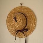 麦わら帽子の掛け時計