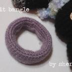 かぎ針編みのニットバングル