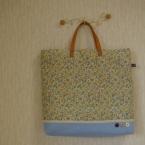 花柄バッグ。