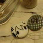 刺繍で痛くるみボタン