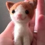 羊毛フェルトのハチワレ猫