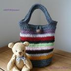かぎ針編みでマルチカラーのバケツ型バッグ♪
