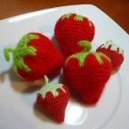 ころころ毛糸のイチゴ