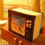 ミニチュアなアンティークテレビ