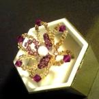 ノスタルジックなお花指輪