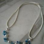 青のヒモネックレス