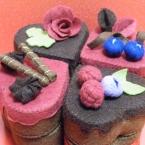 フェルト チョコレートケーキ ハートのクローバー型