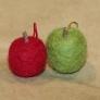 フェルトの青リンゴと赤リンゴ
