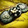 ビーズ刺繍のヘアアクセサリー