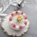 スプリングケーキのミニチュアストラップ
